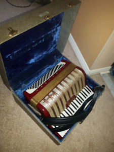 HOHNER  ACCORDION  WITH CASE