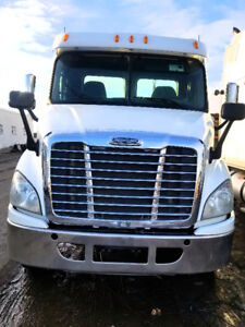 2013 Freightliner Cascadia, Day Cab