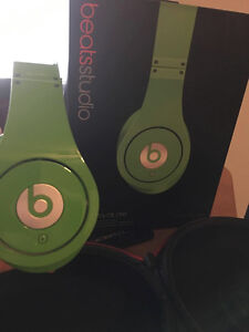 Beats by Dre: Limited Edition Green Studios