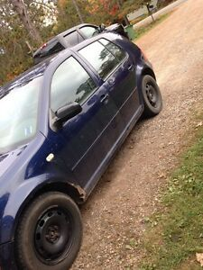 2000 VW Golf 4dr , for sale or trade $2600 OBO
