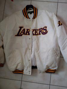 Manteau Lakers grandeur XL Lakers jacket size XL