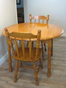 6 piece Solid Maple Wood dining room set