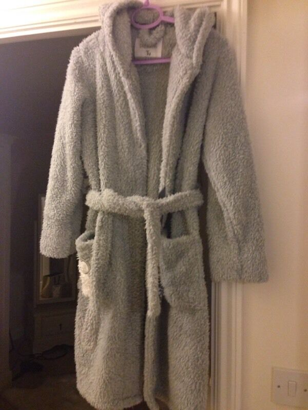 Owl grey furry dressing gown | in Carterton, Oxfordshire | Gumtree
