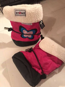 EUC Stonz Owl Pink Booties with Liner Size Small