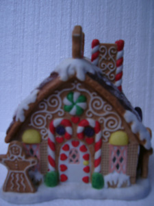 Partylite Gingerbread House Tealight Candle Holder P7304 Retired