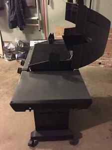 Broil King Monarch 320 BBQ - new never used. London Ontario image 4