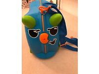 Blue trunki ride on kids suitcase