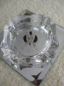 OLD VINTAGE CLEAR GLASS CURLING ASH TRAY with LOGO