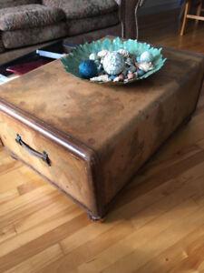 3 tables,etagere,rangement antique magnifique!