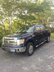 2013 Ford F-150 XLT 4 x 4 Super Crew Pickup Truck with Warranty