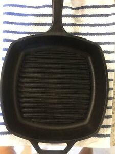 10 1/4 inches lodge cast iron square grill pan Windsor Region Ontario image 2