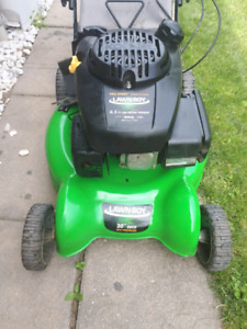 Selling lawnboy self propelled lawn mower *parts or fix*