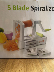 5 Blade Spiralizer -NEW GENERATION - Heavy Duty with Suction Cup