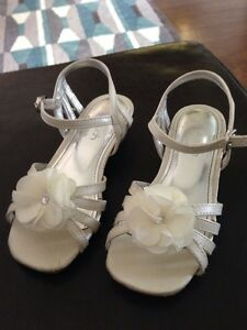 Size 11 Flower girl sandals London Ontario image 2