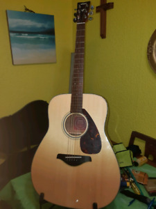 FG400 / with or without. Fishman active pickup