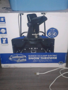 18 inch 13.5-amp electric snow thrower