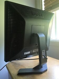 Dell Dimension C521 and monitor For Sale Gatineau Ottawa / Gatineau Area image 8