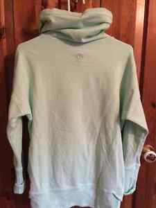 Authentic Lululemon-New and Gentley Used Peterborough Peterborough Area image 2