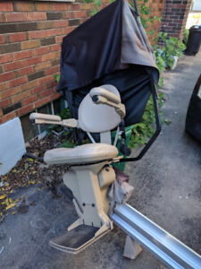 BRUNO'S EXTREME-WEATHER OUTDOOR STRAIGHT STAIR LIFT