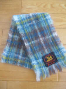 BEAUTIFUL ALL-WOOL FASHION SCARF MADE in SCOTLAND