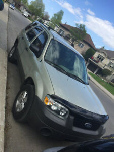 2005 FORD ESCAPE *NEGO*