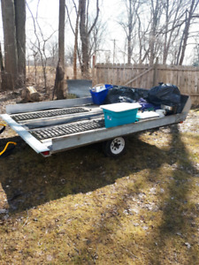 Snowmobile tilt trailer