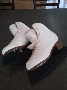 Jackson Artiste Figure Skates  $45.00 ono