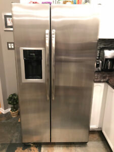 General Electric Stainless Steel Side by Side Fridge