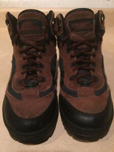 Women's Cedar Ridge Hiking Boots Size 6 London Ontario image 2