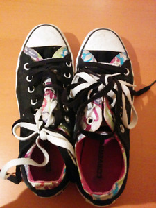 Colorful Converse. Black, White, Pink.