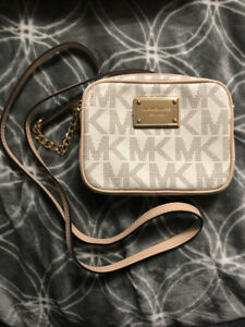 Michael Kors White Crossbody Sling Bag