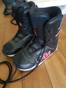 SNOW BOARD BOOTS, Size 6