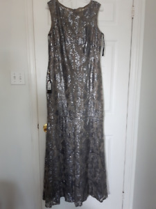 Brand New Prom/ Evening/ Party/ Mother of the bride Dress/ Gown