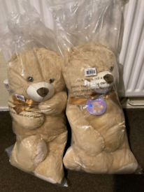 Two large Teddy bears new