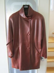 Manteau de cuir d'agneau pour femme