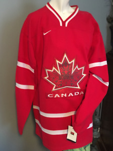 Team Canada Vancouver 2010 Olympic Hockey Jersey Nike XL