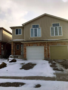3 beds+family room in laurelwood area, close to school, 1750