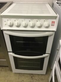 Cowan gas cooker with glass lid