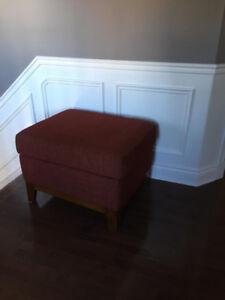 Valley Ridge Furniture Ottoman