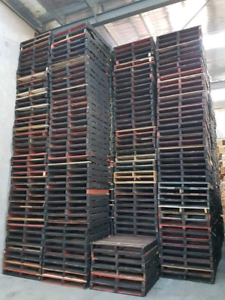 Standard heavy duty pallets