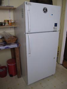 """Réfrigérateur 65x29"""" 18pc"""