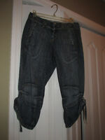EURO Incredible CROPPED Distressed Jeans 29 6