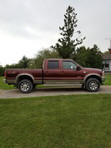 2005 Ford F350 King Ranch Lariat