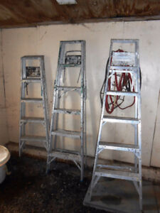 3 ESCABEAU EN ALUMINIUM (2 DE 6 'ET 1 DE 5'), STEP LADDER