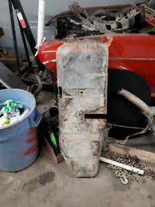 Chevrolet s10 gas tank cover/part out