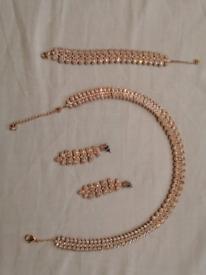 Swarovski Jewllary Necklace, Bracelet and ear rings
