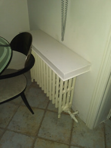 Hot water radiator in great working condition