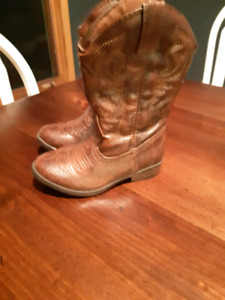 Western Boots - size 9