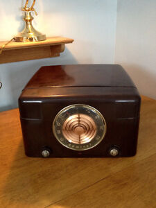 Antique Radio-Record Player ADMIRAL Model 5Y22A N Stratford Kitchener Area image 1