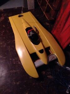 4+ ft Hydroplane remote boat